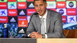 Hazard stond pers te woord met peperduur horloge rond zijn arm