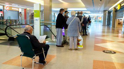 """Met kampeerstoel aanschuiven in Wijnegem Shopping Center: """"Voorbereid op lange wachttijd"""""""