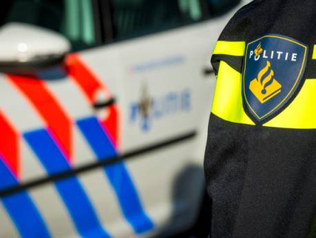 Politie betrapt mensen bij tuinfeest in Vollenhove