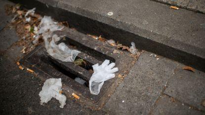 """Het nieuwe zwerfvuil: mondmaskers en plastic handschoenen. """"Puur egoïsme van hersenloze mensen"""""""
