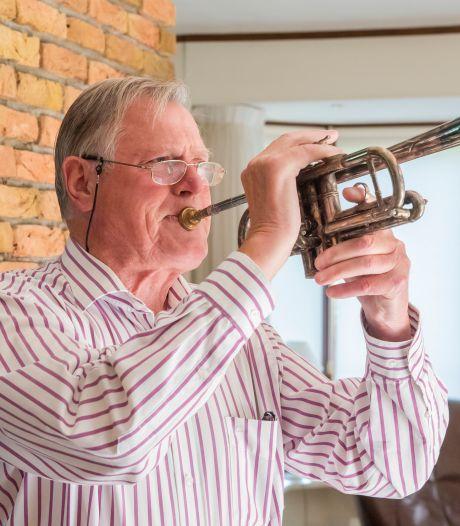 Toen de jongste van de illustere Gebroeders Brouwer overleed, stopte de oudste met spelen. 'Maar ik heb de spirit weer!'