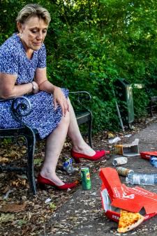 Wilhelminapark 'zooitje' na zomeravond met barbecue en bier