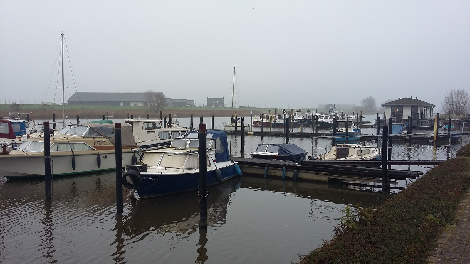 Waalwijkse watersporters hebben absoluut geen zin om naar de haven van Raamsdonk te verhuizen.