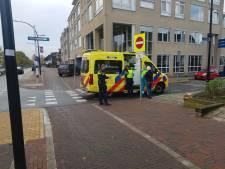 Fietsster schrikt van afslaande auto en raakt gewond op 'gevaarlijk punt' in Doetinchem