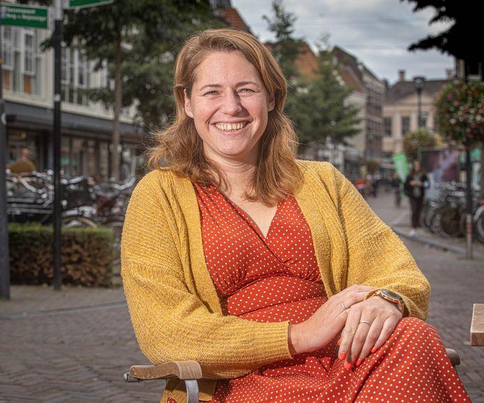 Emi Stikkelman (36) uit Zwolle is oprichter en voorzitter van Donordetectives.nl, een platform dat hulp biedt aan donorkinderen die hun biologische vader zoeken.