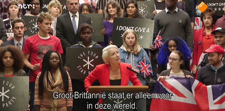 Emma Thompson als de populistische politicus Vivienne Rook in Years And Years. Beeld null