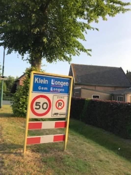 De plaatsnaamborden van Dongen werden in de nacht van maandag op dinsdag veranderd in Longen