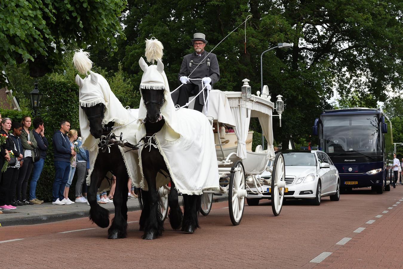 13 juni 2017. De begrafenis Romy Nieuwburg in Hoevelaken.