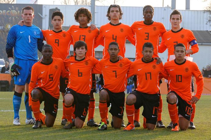Jetro Willems bij het jeugd-EK in 2011, een jaar later speelde hij het EK voor senioren.