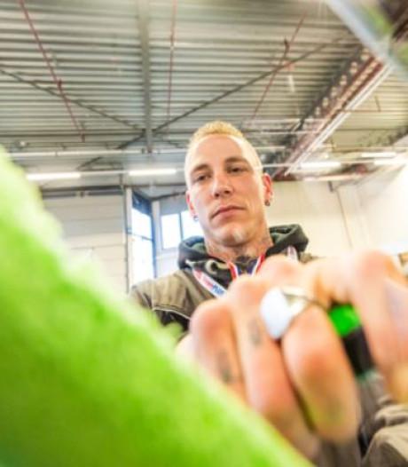 Marco mag zich snelste glazenwasser van Nederland noemen
