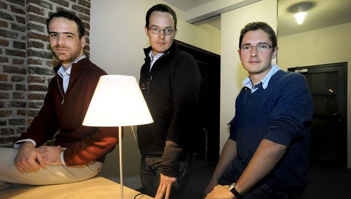 """Vincent Boon-Falleur, Idesbald Van den Bosch et Diego Mathieu, libérés après trois mois d'emprisonnement pour espionnage, n'ont vu aucune charge retenue contre eux. Ils ont précisé avoir été interrogés """"sans ménagement"""" mais sans subir de mauvis traîtements."""