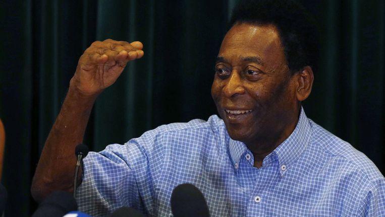 De levende voetballegende Pelé heeft ondanks de gezondheidsproblemen nog grote ambities: voetballen op de Olympische Spelen in Rio.