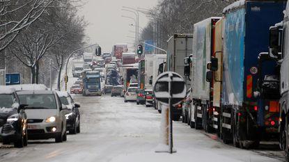 Vrachtwagens blokkeren wegen