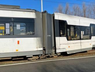 Kusttram belandt naast spoor in Zeebrugge door defect aan wissel