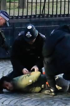 Britse politie schakelt indringer parlement uit met stroomstoot
