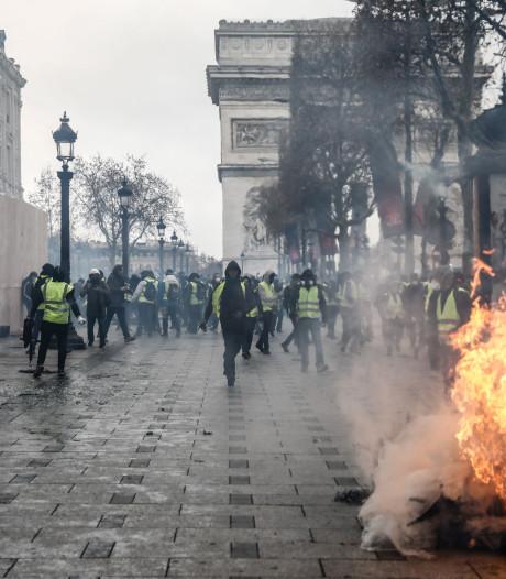 Frankrijk start onderzoek naar mogelijke Russische invloed #gelehesjes