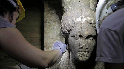 Opgravingen in Griekenland leveren vondst kariatiden op