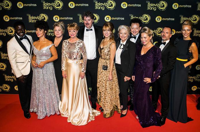 De cast van de Luizenmoeder op de rode loper voorafgaand aan het Gouden Televizier-Ring Gala 2018 .