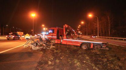 Takelwagen belandt in berm naast E17 na bruusk uitwijkmanoeuvre voor roekeloze chauffeur