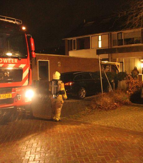 Brandweer in actie voor stanklucht in Holten