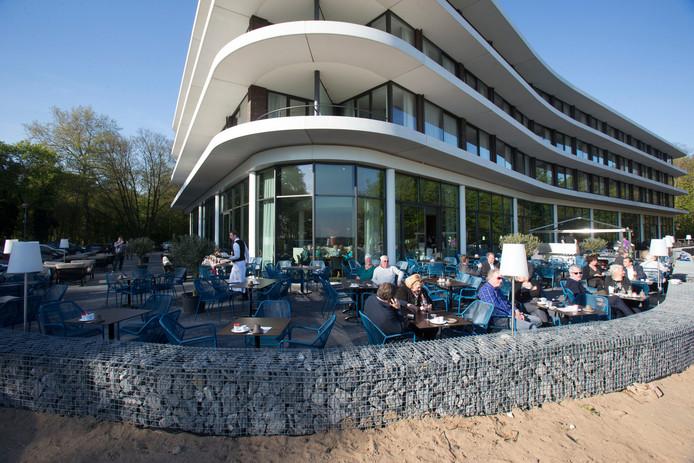 Gasten in Wageningse hotels, zoals het Fletcher Hotel de Wageningsche Berg, gaan meer toeristenbelasting betalen.