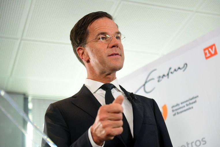 Rutte tijdens een persconferentie voor de internationale pers op de Erasmus Universiteit in Rotterdam. Beeld afp