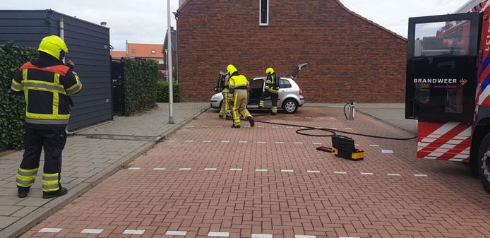 Brandweerlieden hebben het vuur geblust.