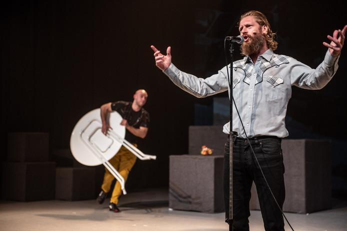 Zanger Björn van de Doelen is een van de professionele spelers die het Eldorado-project ondersteunen.