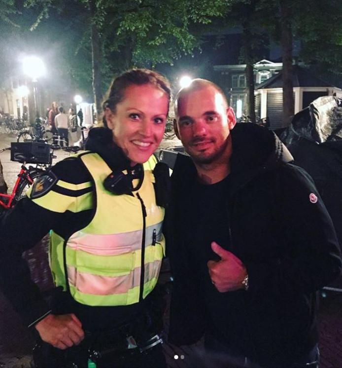 De agente liep Wesley Sneijder tegen het lijf.