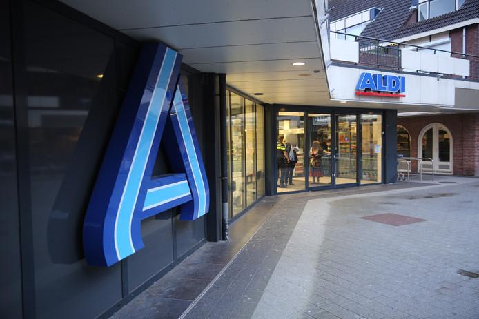 Gewapende overval op Aldi aan het Dijkcentrum in Roosendaal.