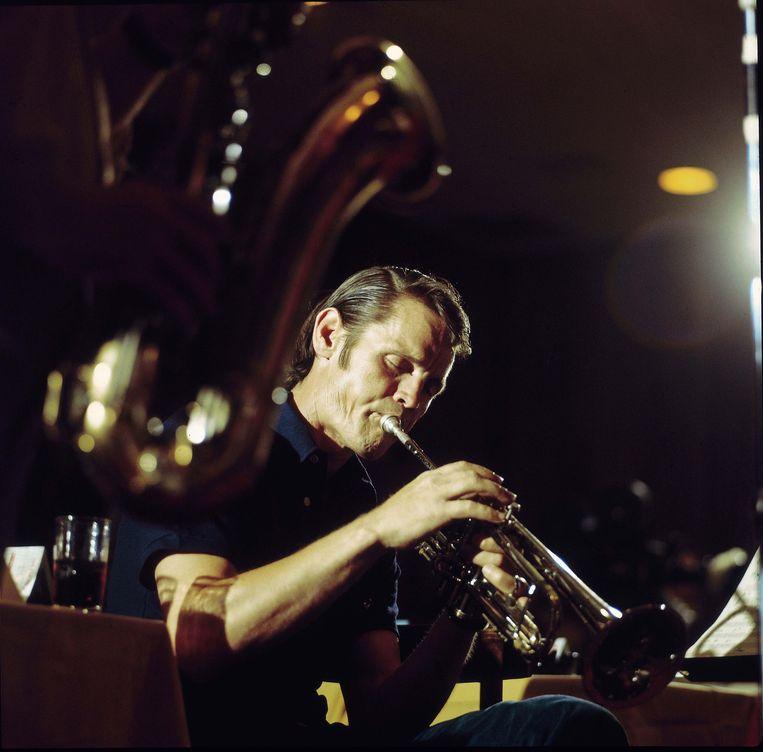 Chet Baker - 'Ik voel nog de trillingen tegen mijn borst' Beeld getty
