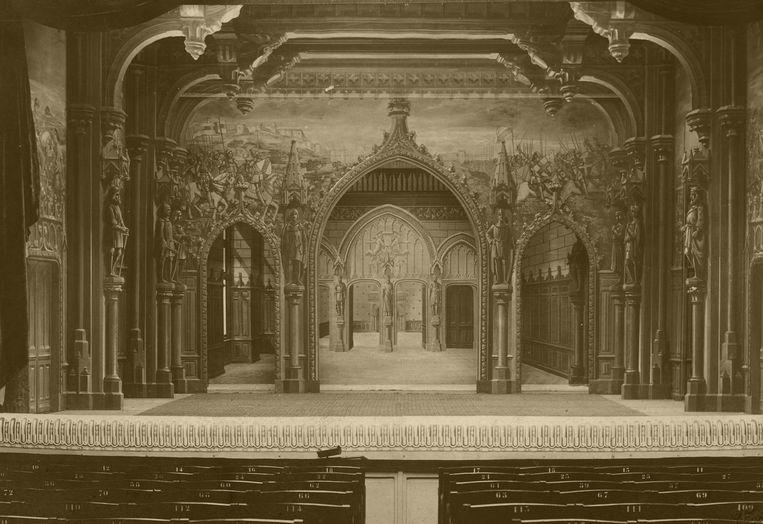 Palais Gothique, vaak gebruikt in de generiek van opera's.