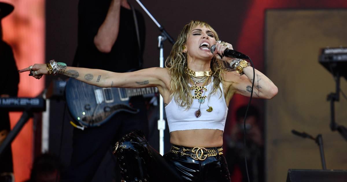 Miley Cyrus doet pikante shoot met Rolling Stone: 'Kunnen de kranten er over schrijven'