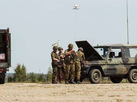 Pechhulp voor het leger met 3D-printer en drone