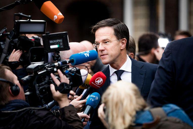 Rutte staat dinsdagochtend de pers te woord. Beeld Freek van den Bergh / de Volkskrant