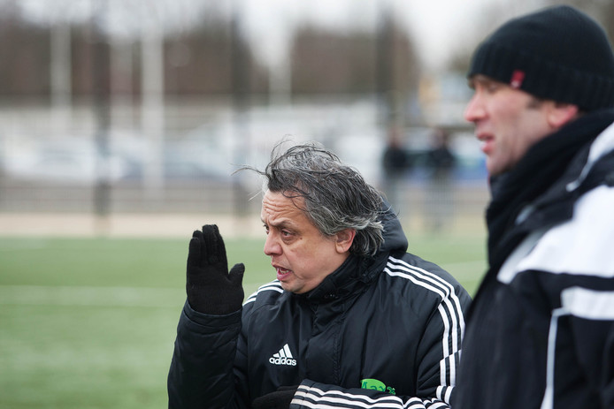 Frank Koch in actie als trainer van SCE.
