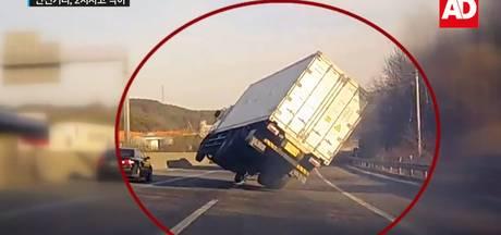 Vrachtwagen ontsnapt aan mega crash