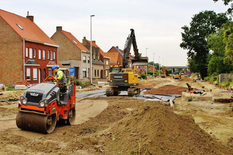 De werken in de Westkerksestraat in Oudenburg zijn nog volop bezig.