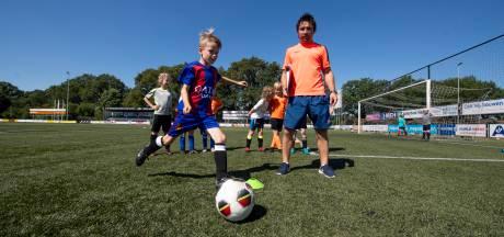 Techniekweek bij Sportclub Neede: Voetballen met vakantiegevoel