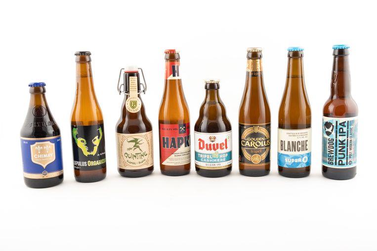 Bier voor bij de barbecue, van links naar rechts: Chimay Bleue, Lupulus Organicus, Quintine Blond, Hapkin, Duvel Tripel Hop Cashmere, Gouden Carolus Tripel, Super 8 Blanche en Brewdog Punk IPA.