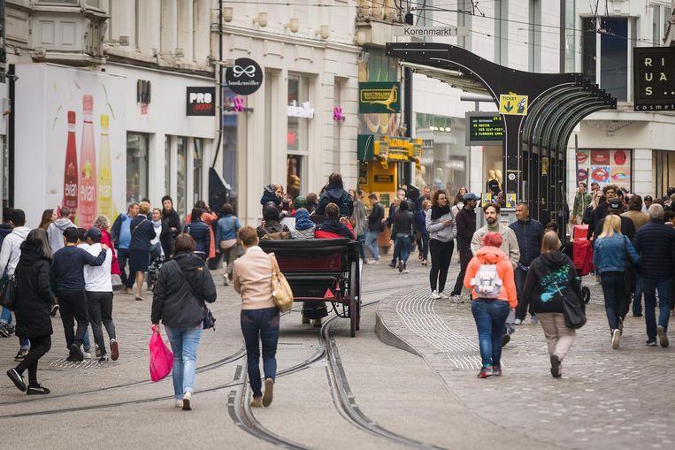 Onder andere in de Veldstraat was het gezellig druk.