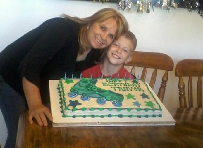 Dawna en haar zoon Trevor kwamen om tijdens het bloedbad