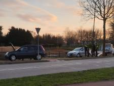 Passagier raakt lichtgewond door auto die achterop botst in Kaatsheuvel