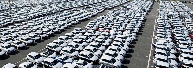 Nieuwe Porsches, onderdeel van het Volkswagen-concertn, in Bremerhaven. Beeld afp