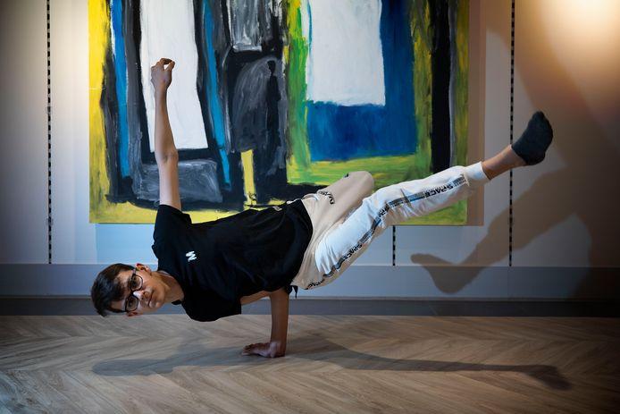 Nillis RooijaKkers is als 14-jarige geslaagd voor zijn opleiding tot docent breakdance.
