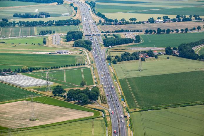 De A29 is vanaf morgenavond tot maandagochtend 5.00 uur deels dicht vanwege grootschalige asfalteringswerkzaamheden