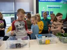 Afvalbedrijf leert kinderen scheiden in eigen klaslokaal