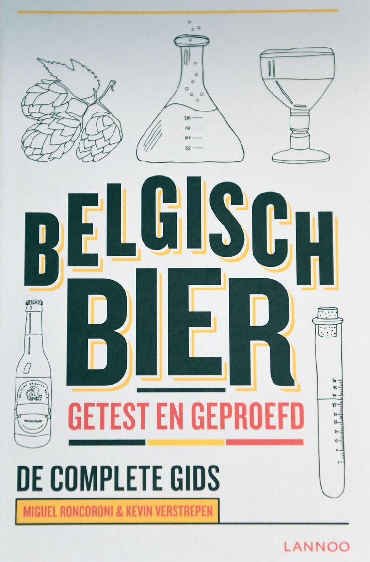 'Belgisch Bier, getest en geproefd' is te koop in de boekhandel voor 25,99 euro.