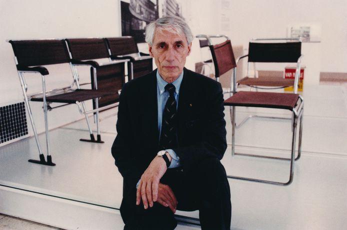 Wim Crouwel in zijn tijd als directeur van het Rotterdamse Museum Boijmans van Beuningen.