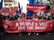 'Regering May valt onder onze ogen uiteen'